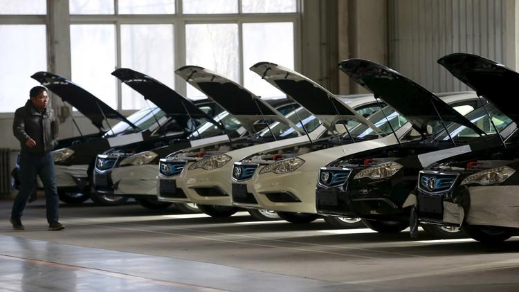 هل تكون سنة 2022 مقبرة السيارات التي تعمل بالوقود؟