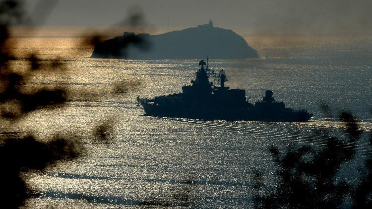 سفينة شحن عسكرية روسية تعبر البوسفور إلى سوريا
