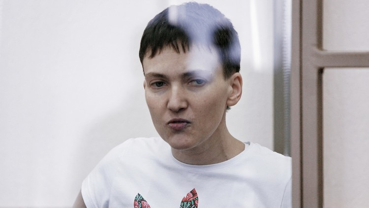 رسالة مفبركة أنقذت الأوكرانية سافتشينكو المسجونة في روسيا!