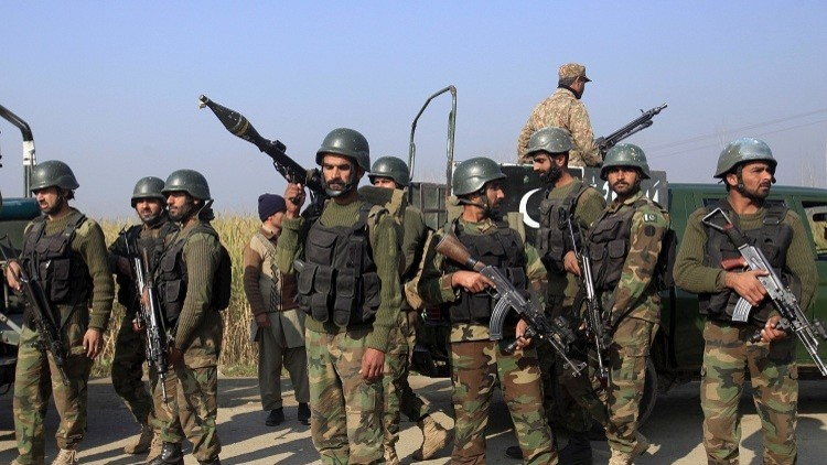 اختطاف 8 موظفين حكوميين في باكستان
