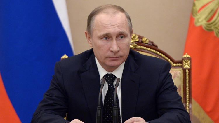 بوتين يلغي العقوبات الروسية على طهران ويحدد كيفية تزويدها بالمواد النووية