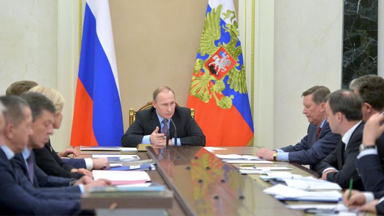 بوتين يسهر على شؤون العباد والبلاد