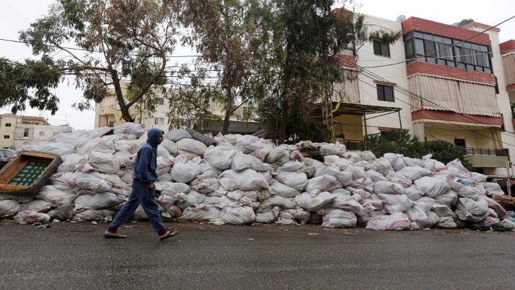 وزير لبناني: أزمة النفايات حُلت.. ودعوة للتظاهر وسط بيروت