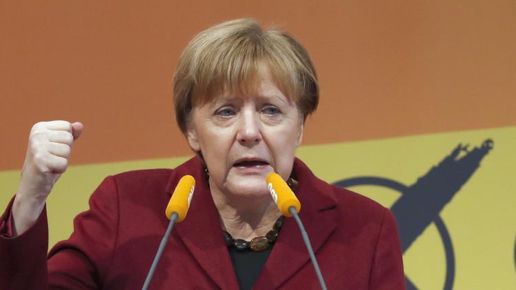 ميركل: على اللاجئين الاندماج في المجتمع الألماني