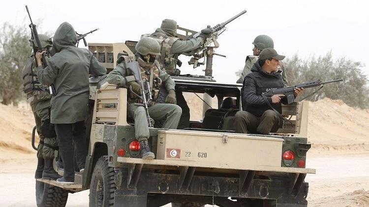 تونس.. العثور على كمية من الأسلحة مدفونة تحت التراب في بنقردان