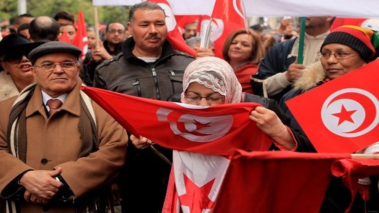 تونس تحارب الإرهاب بعزيمة شعبها