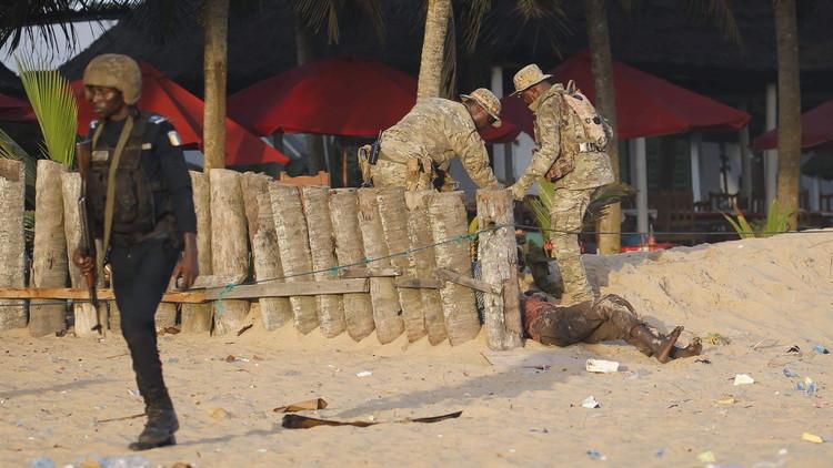 ساحل العاج.. 16 قتيلا في هجوم مسلح على منتجع سياحي والقاعدة يتبنى (فيديو)