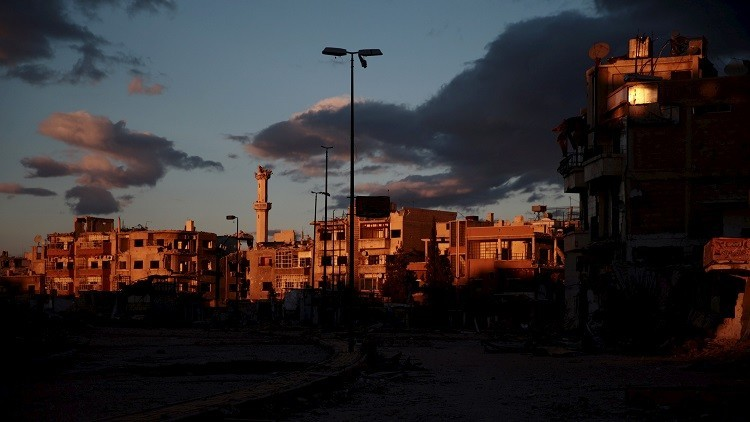 من يدك أسوار دمشق؟