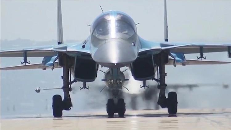 استقبال حاشد لطلائع المقاتلات الروسية العائدة من سوريا.. (فيديو)