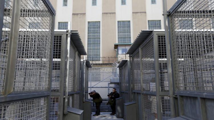 مكافأة بقيمة 150 ألف دولار لأشخاص ساعدوا في القبض على فارين من سجن في كاليفورنيا