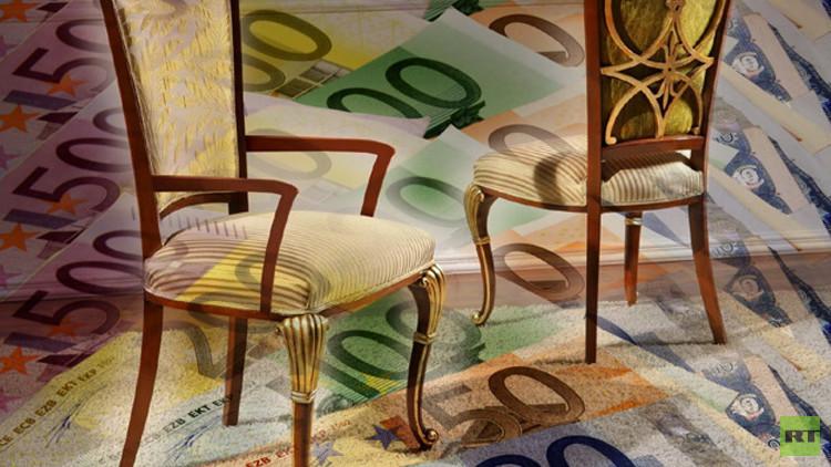 حارس يسرق كرسياً من منتجع اخفي فيه مبلغ 100 ألف يورو