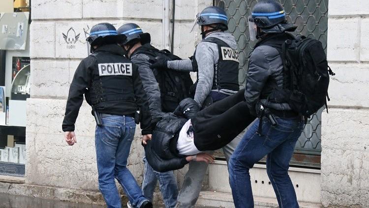 الشرطة الفرنسية تعتقل 4 أشخاص يشتبه في تخطيطهم لهجمات بباريس