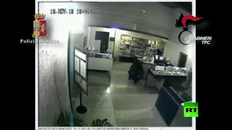 سلطات محلية تعتقل 13 مشتبها بارتكابهم فعل سرقة روائع فنية (فيديو)