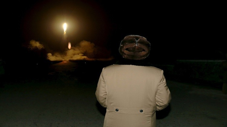 بيونغ يانغ تطلق صاروخا بالستيا نحو البحر الشرقي من شبه الجزيرة الكورية