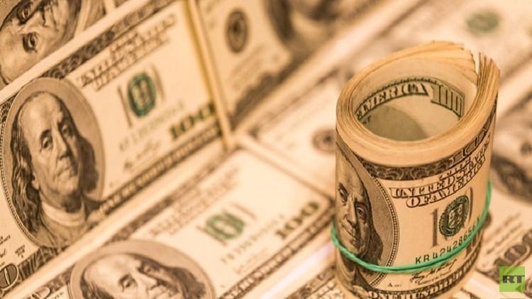 الدولار يرتفع معوضا بعض خسائره السابقة