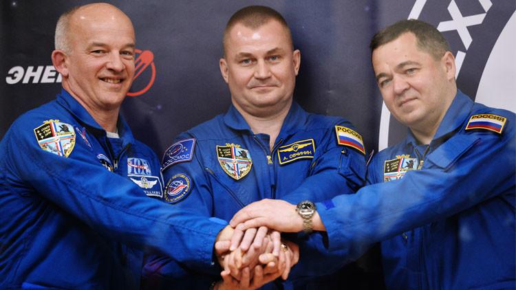 اللجنة الحكومية الروسية تقر تشكيلة الطاقم الجديد للمحطة الفضائية الدولية