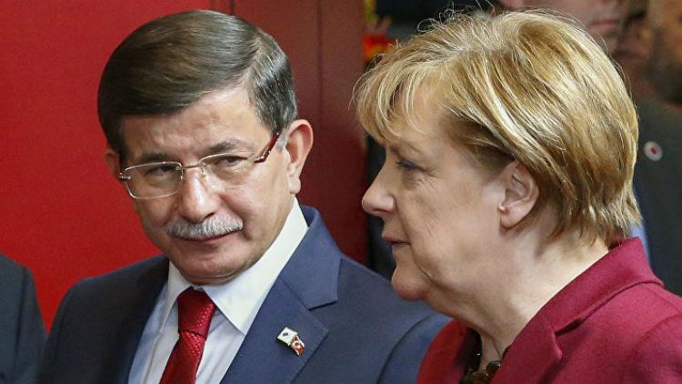 اتفاق تركي أوروبي على حساب اللاجئين