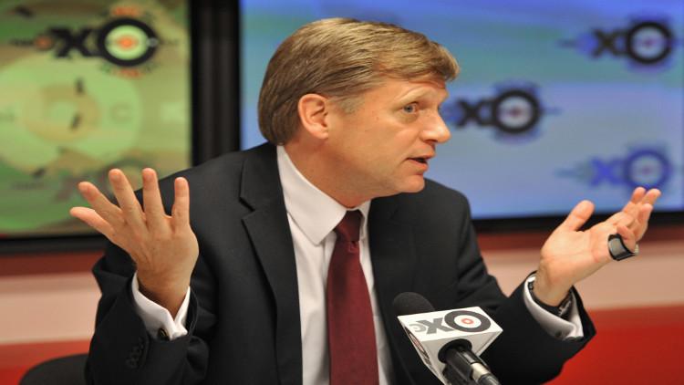 السفير الأمريكي السابق في موسكو يجادل مع مغردين حول تبعية كاليننغراد الروسية!