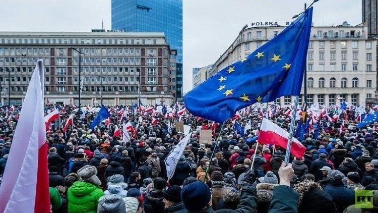 بولندا تحتج لدى أوكرانيا بسبب تدنيس تمثال البابا يوحنا بولس الثاني