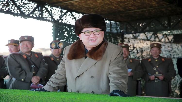 كيم يشرف على إطلاق الصواريخ.. وسيئول تجري مناورات بحرية مع الأمريكيين