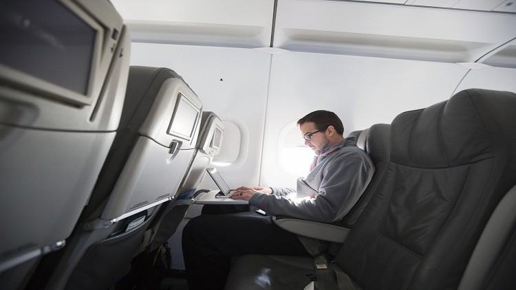 روسيا ستوفر خدمات الإنترنت للمسافرين على متن طائرة