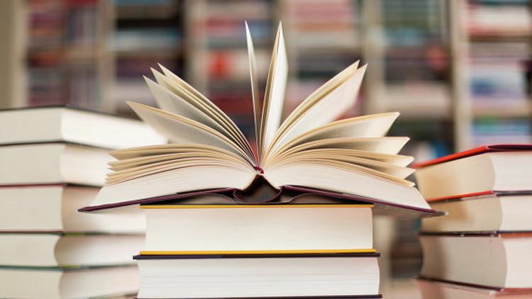 شعراء وكتاب روس يحصلون على جوائز في مجال الأدب