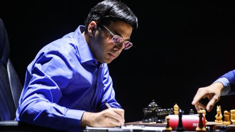 أناند يلحق بالروسي كارياكين في صدارة المرشحين لتحدي بطل العالم للشطرنج