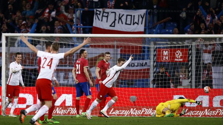 بولندا تتفوق على صربيا وديا .. (فيديو)