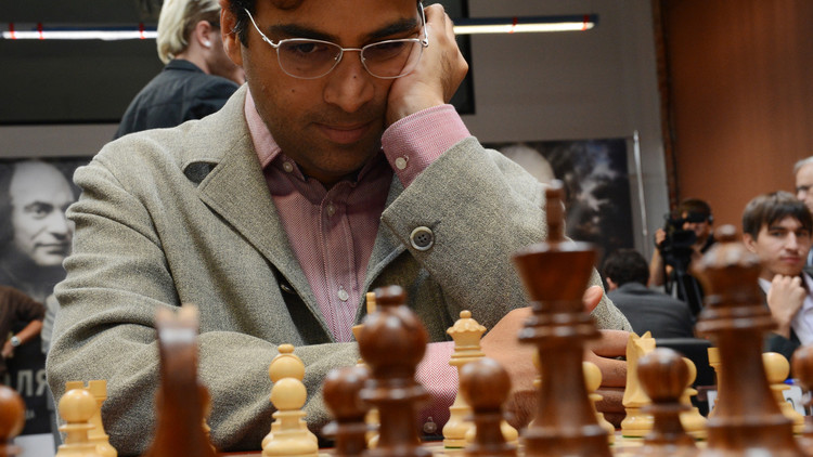 أناند يهزم الروسي كارياكين في دورة المرشحين لتحدي بطل العالم للشطرنج