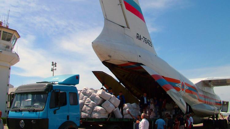 الدفاع الروسية: إيصال المساعدات الروسية يساهم في عودة سكان ريف دمشق إلى بيوتهم