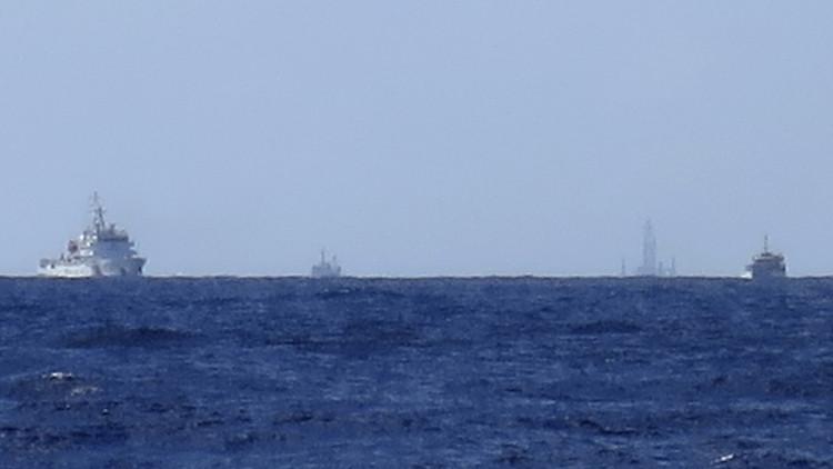 ماليزيا: 100 قارب وسفينة صينية انتهكت المياه الإقليمية الماليزية