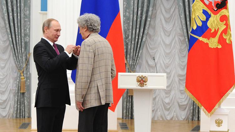 الرئيس بوتين يمنح جوائز في مجال التأليف للأطفال والمراهقين