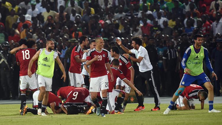محمد صلاح يهدي مصر نقطة في مباراة نيجيريا بهدف قاتل .. (فيديو)