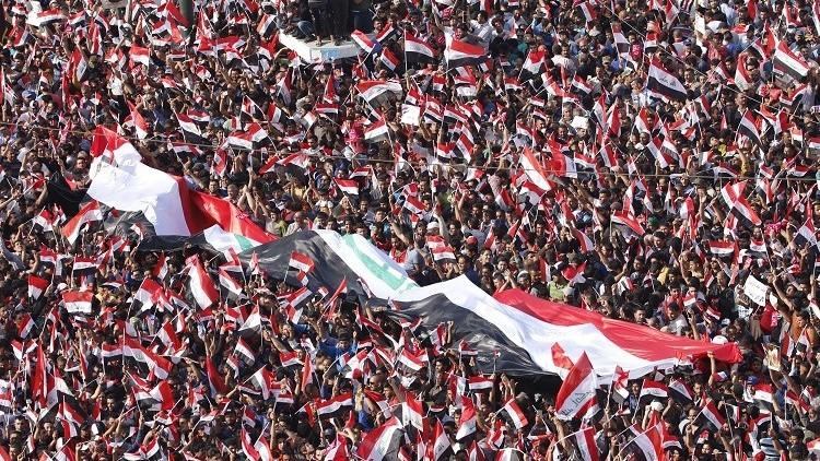 خوفا من زعيم التيار الصدري.. 220 مسؤولا عراقيا يفرون إلى الأردن وتركيا والإمارات