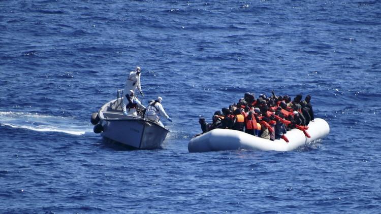 إيطاليا تعلن إغاثة 1400 مهاجر في المتوسط