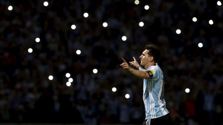تصفيات المونديال.. الأرجنتين تواصل التقدم وميسي يقترب من رقم باتيستوتا (فيديو)