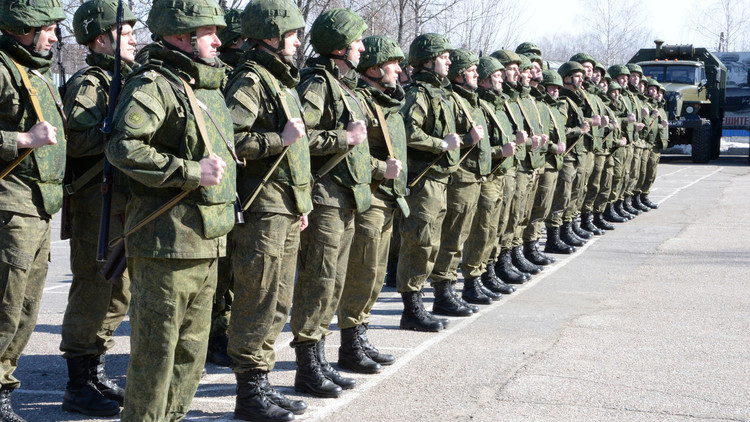 سوريا.. وصول أول مجموعة من الخبراء الروس لإزالة الألغام