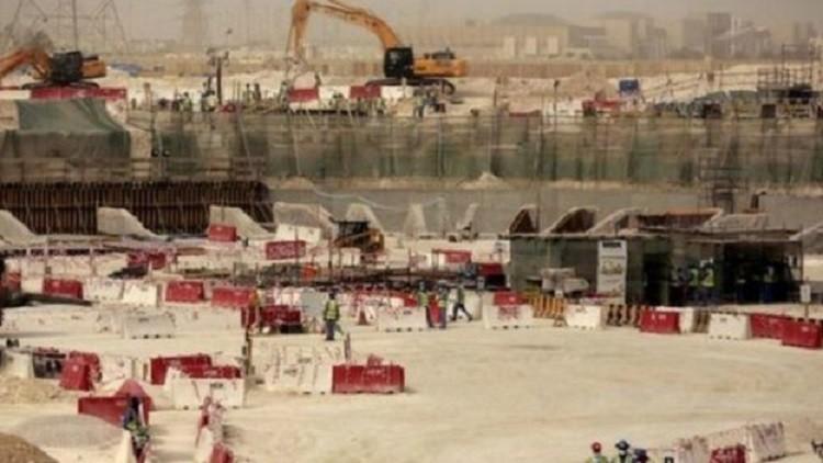 قطر تجبر الأجانب على العمل في إنشاء ملعب بطولة كأس العالم 2022