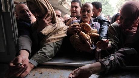 """""""الخبز الحكومي"""" يثير رعب المصريين"""