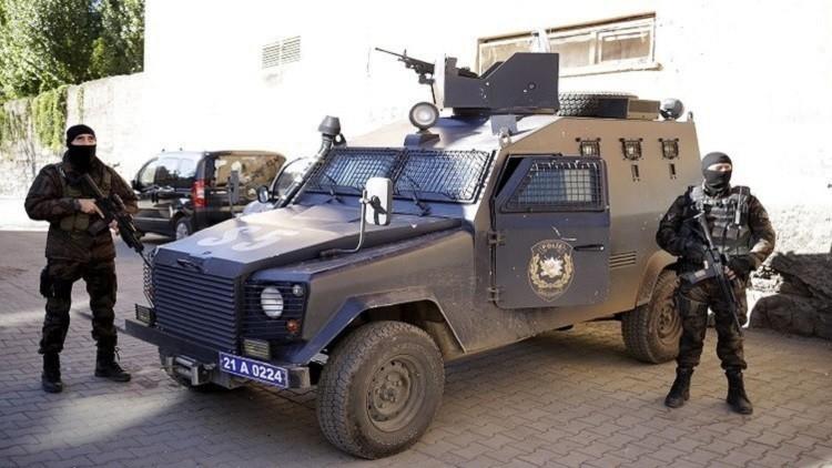 الشرطة التركية تحتجز 15 شخصا بتهمة الانتماء لـ