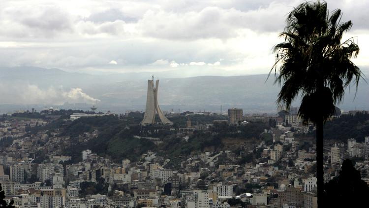 الجزائر.. المعارضة ترص صفوفها لمواجهة الحكومة