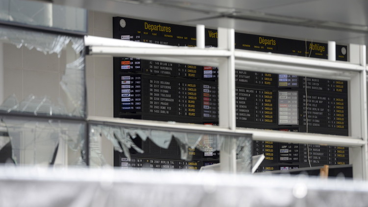بروكسل تعيد فتح مطارها جزئيا بعد التفجيرات
