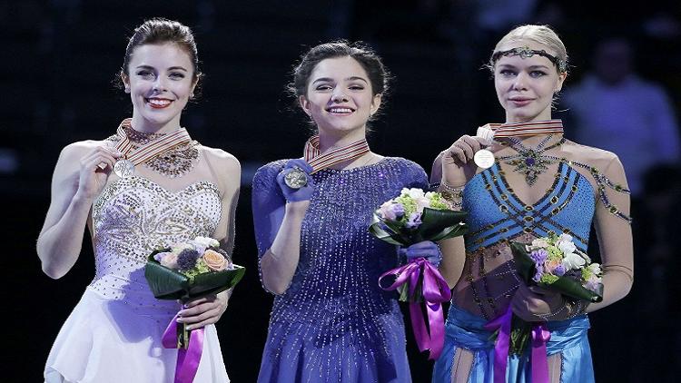 الروسية يفغينيا مدفيديفا تتوج بذهبية بطولة العالم للتزحلق على الجليد
