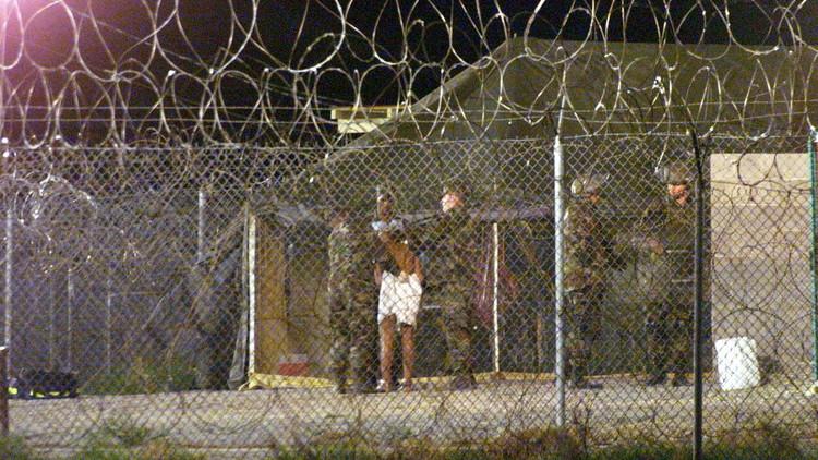 واشنطن ترحل معتقلين ليبيين من غوانتانامو إلى السنغال