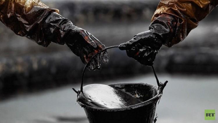 دمشق تشير إلى المتورطين بسرقة النفط السوري