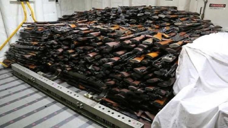 البحرية الامريكية  تصادر أسلحة إيرانية يرجح أنها كانت في طريقها للحوثيين