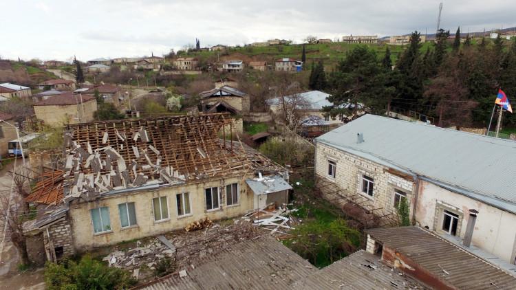 تبادل الاتهامات بين أذربيجان وأرمينيا.. وباكو تهدد بتوجيه ضربة إلى عاصمة قره باغ