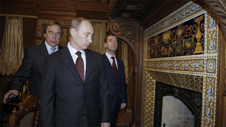من ارتكب خطايا بوتين الخمس..؟