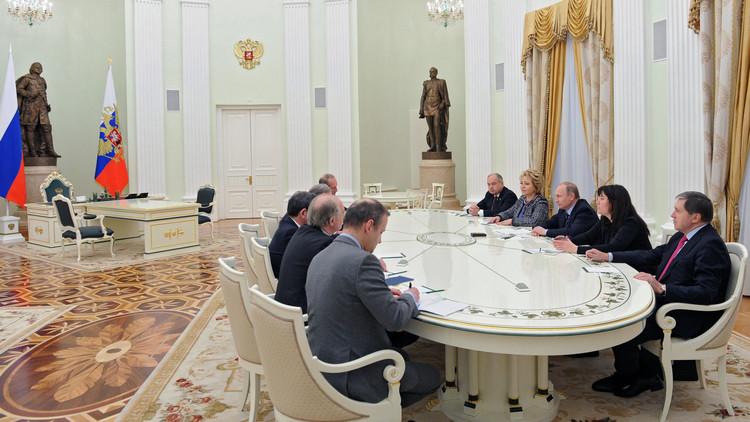 باريس مستعدة للمساهمة في تسهيل عملية رفع العقوبات عن روسيا
