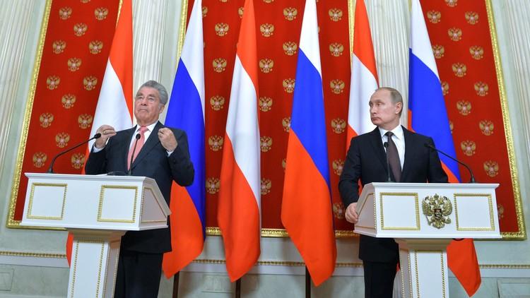 الرئيس النمساوي يصف إسقاط تركيا لقاذفة سو-24 الروسية بأنها كانت غير مفهومة وغير متوقعة